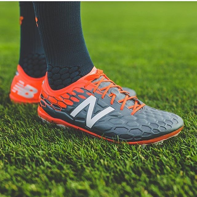 The redesigned @nbfootball Visaro! Interested to see on how these compare to the original Visaro. #NBFootball #NewBalance #NewBalanceSoccer #NewBalanceFootball #TeamFK #Cleatstagram #SoccerBible #Football #Futbol #Cleats #Boots #SoccerCleats #FootballBoots #Cleatsandboots #cleatCounty  #Pdsbootroom #Prodirect  #FBRfeatured #Soccerbible #SBspotlight #Unisportlife  #Soccerpro #Soccerdotcom #Worldsoccershop #Soccerreviews