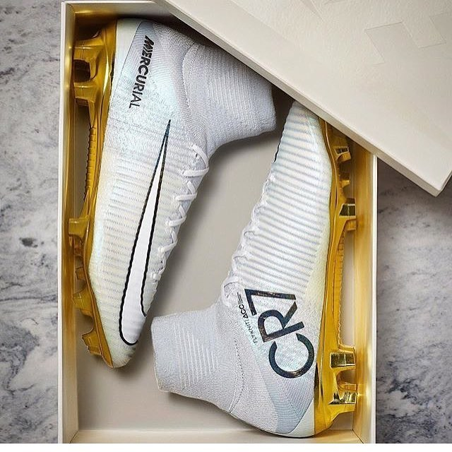 Check out the new @nikefootball Superfly made to honor @cristiano's incredible year! Only 777 pairs worldwide!Thoughts? Pic by @nikefootball #nikesoccer #nikefootball #TeamFK #Cleatstagram #SoccerBible #Football #Futbol #Cleats #Boots #SoccerCleats #FootballBoots #Cleatsandboots #cleatCounty  #Pdsbootroom #Prodirect  #FBRfeatured #Soccerbible #SBspotlight #Unisportlife  #Soccerpro #Soccerdotcom #Worldsoccershop #Soccerreviews